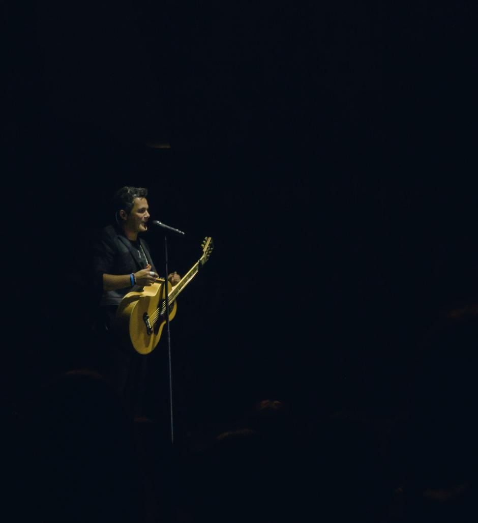 La voz del intérprete español ofreció un show musical de primer nivel. (Foto: Eddie Lara/Soy502)