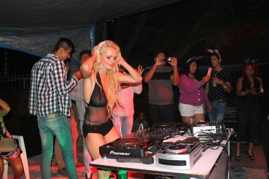 Pleskova incursiona desde hace un año en el mundo de la música electrónica. (Foto: Playboy México)