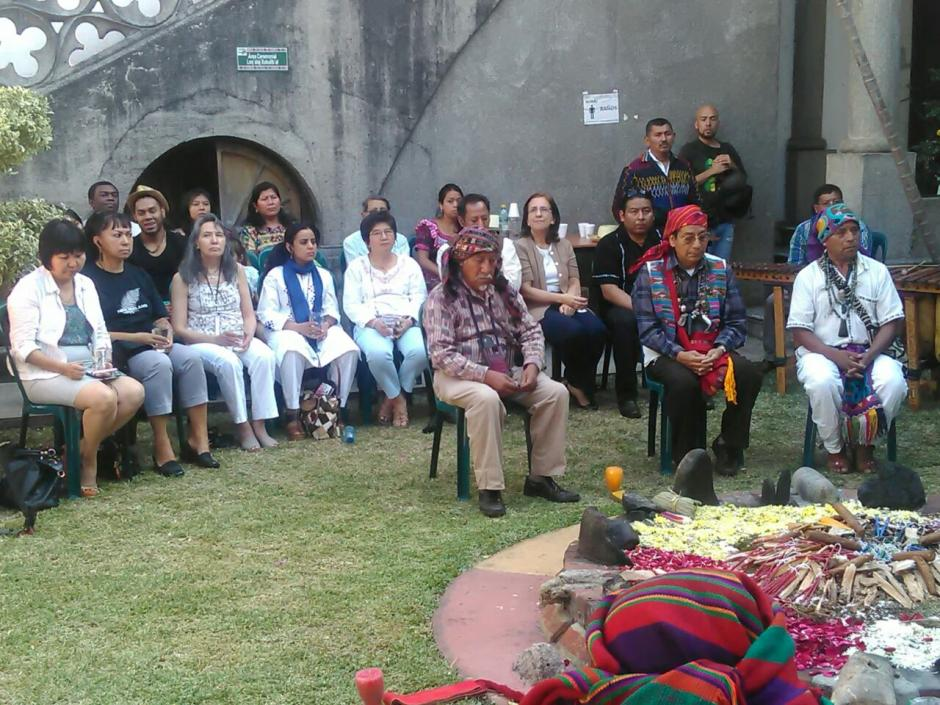 La ceremonia se realizó en la Academia de Lenguas Mayas. (Foto: Minex)