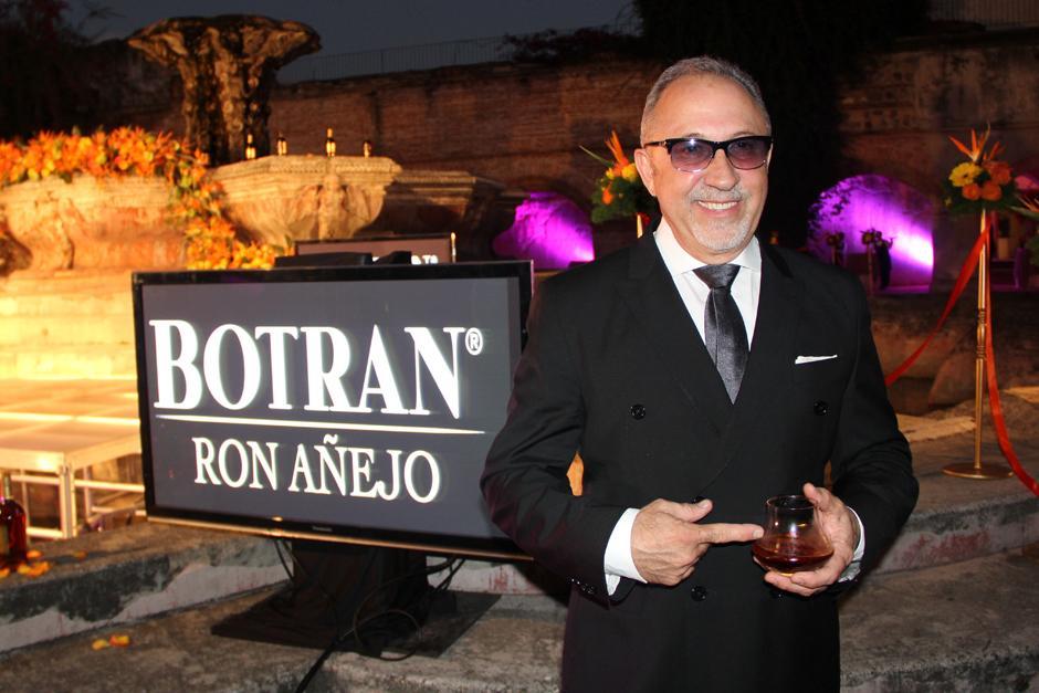 """Emilio Estefan, empresario, productor y 19 veces ganador del Grammy, será la imagen de la nueva campaña de Ron Botran en Estados Unidos, """"La noche comienza con Botran"""".(Foto: Luis Barrios/Soy502)"""