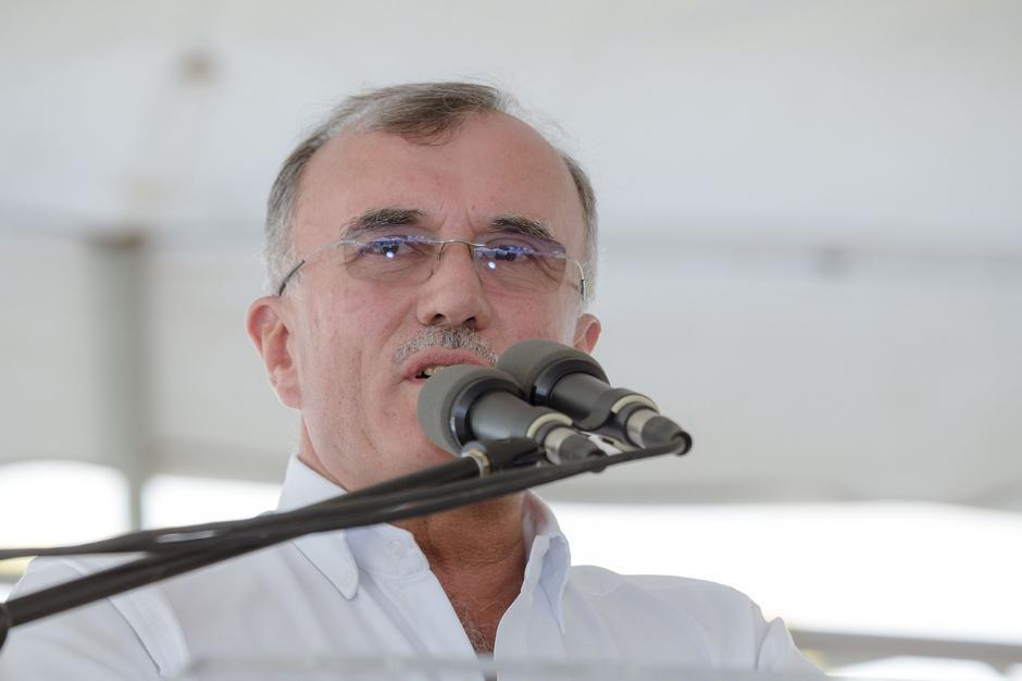Eduardo Castillo Di Vito comenta acerca de las instalaciones del Centro de Salud y Nutrición Tzununá. (Foto: George Rojas /Soy502)