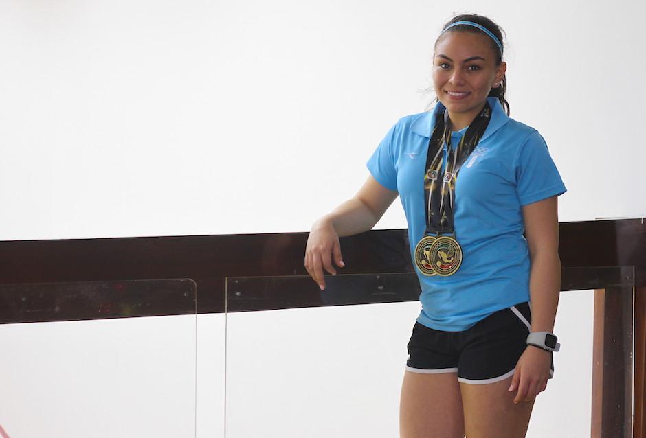 Ana Gabriela Martínez, con 17 años, dijo que intercala sus estudios con su entrenamiento. (Foto: Luis Barrios/Soy502)