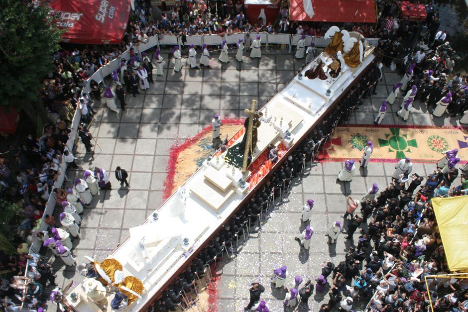 La Hermandad Recolecta organiza este cortejo procesional.(Foto: Raúl Illescas/Especial para Soy502)