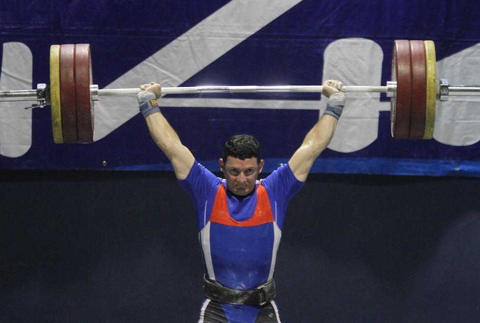 Máximo Víquez dio la pelea y le puso emoción al cierre de la jornada. (Foto: Luis Barrios/Soy502)