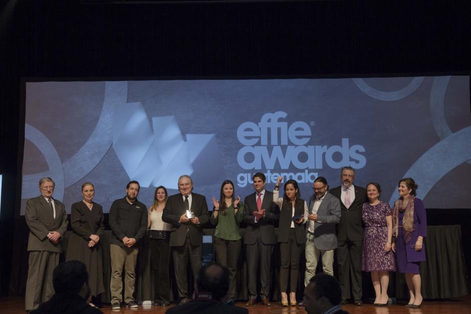 Kia y Ogilvy Guatemala, los ganadores de la noche, se llevaron el Gran Effie 2016. (Foto: George Rojas/Soy502)