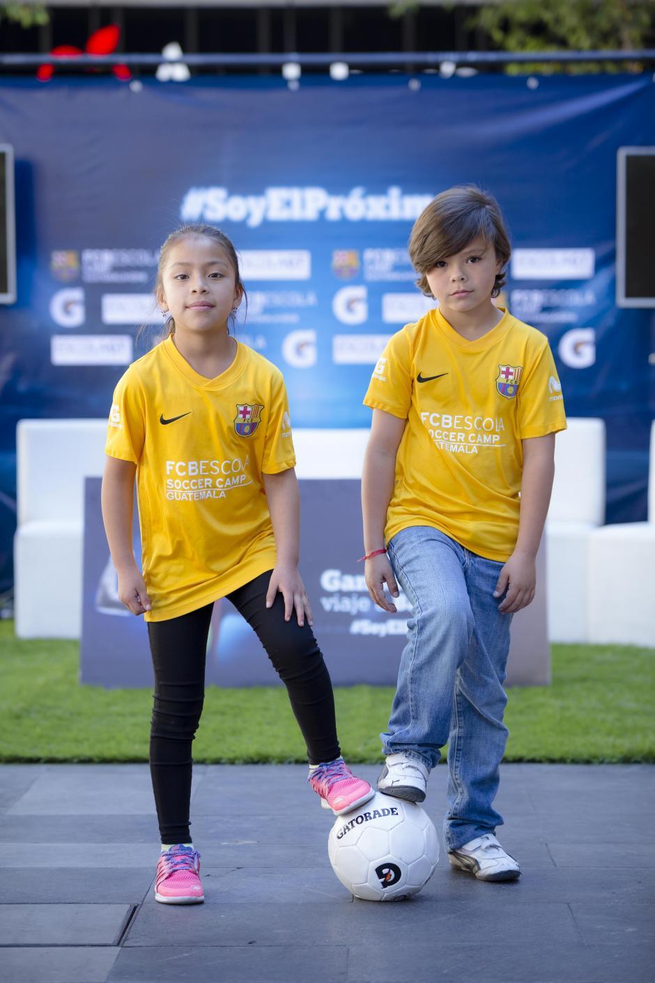 Emily y Nicolás demostraron sus habilidades en la cancha y viajarán a Barcelona. (Foto: George Rojas/Soy502)