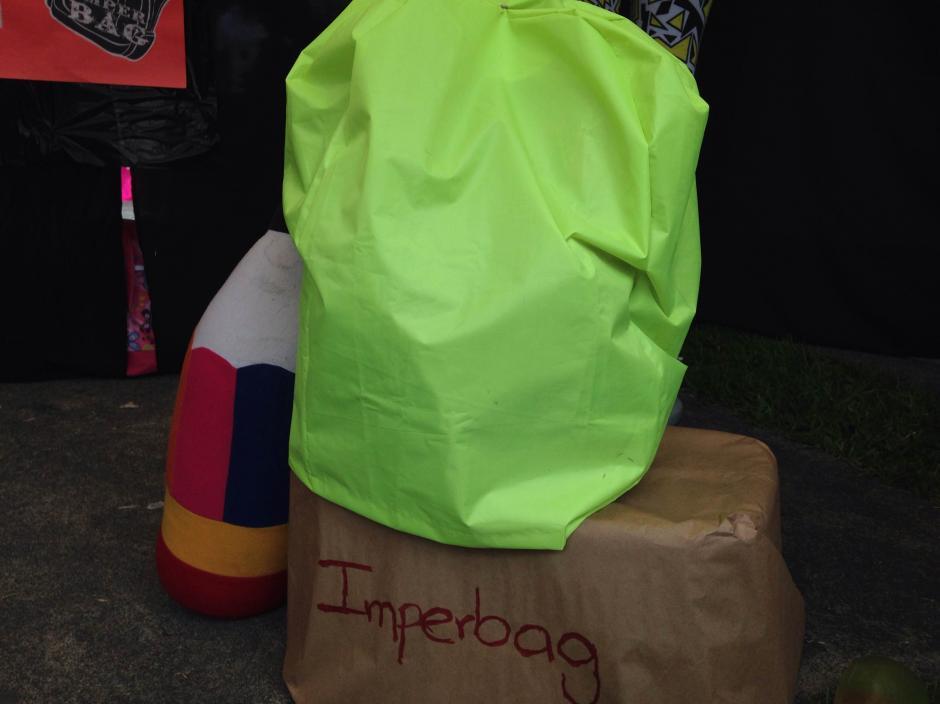 Bolsa impermeable. (Foto: Fredy Hernández/Soy502)