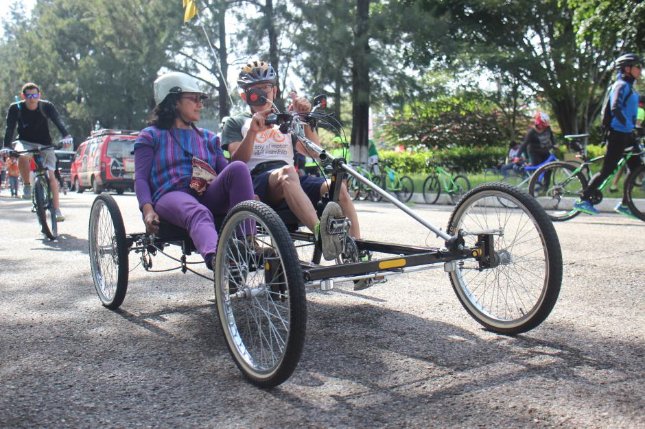 Los diseños extravagantes no hicieron falta en el Día Mundial sin auto en Guatemala. (Foto: Alejandro Balan/Soy502)