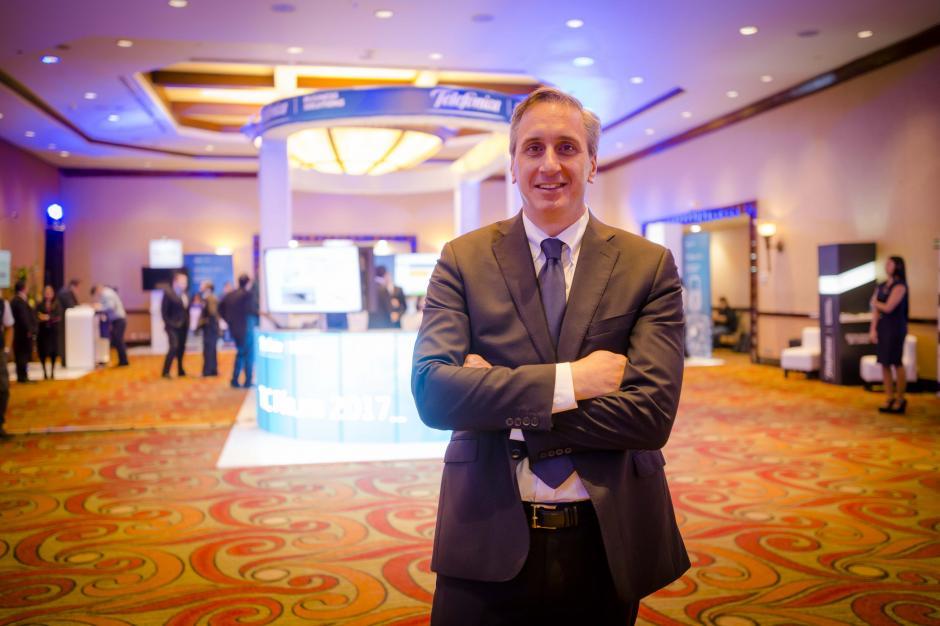 Rafael Cisneros, director Empresas y Negocios, aseguró que el objetivo del foro es ayudar a las empresas a proteger la identidad, la información y la reputación. (Foto: George Rojas/Soy502)