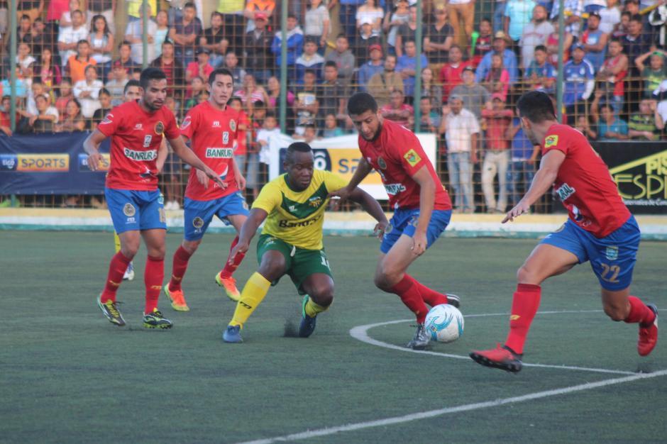 Los Rojos aseguraron el segundo puesto al derrotar de visita a Petapa. (Foto: José Dávila/Soy502)