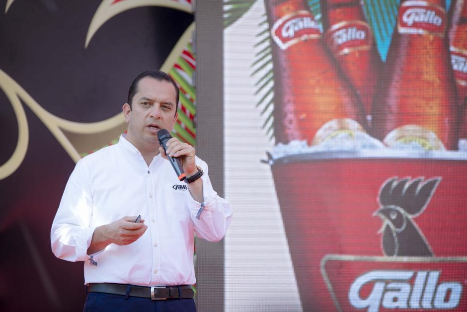 Ricardo Pontaza, gerente de marca Gallo, explicó la logística del megaevento. (Foto: George Rojas/Soy502)