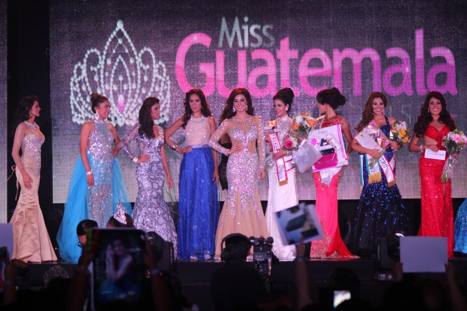 Comenzaron las rondas de reconocimientos, donde las participantes, una a una, fueron seleccionadas para ser finalistas. (Foto: Alejandro Balan/Soy502)