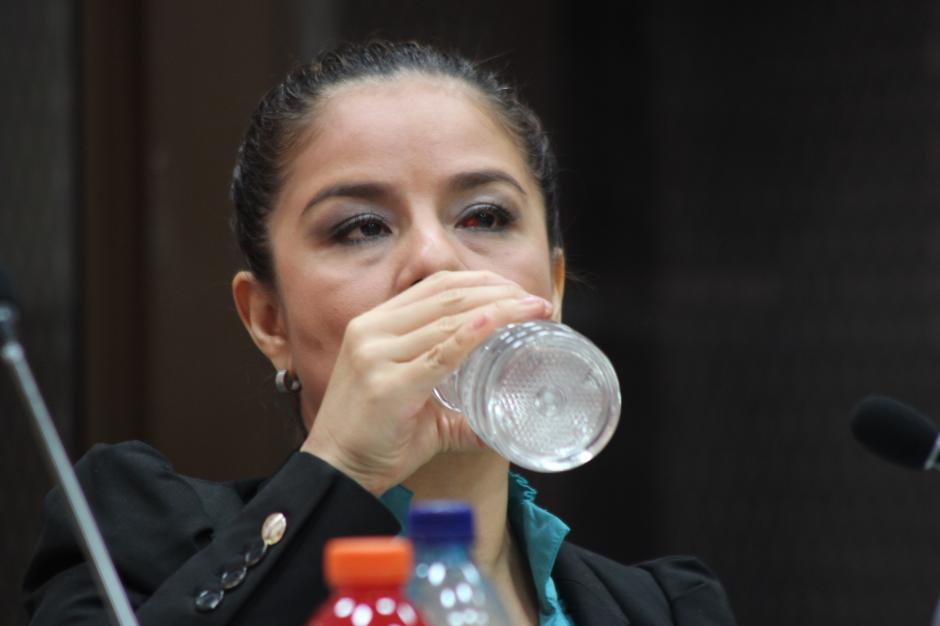 Claudia Méndez, la exintendende de aduanas, durante la parte final de la audiencia de primera declaración. (Foto: Jesús Alfonso/Soy502)