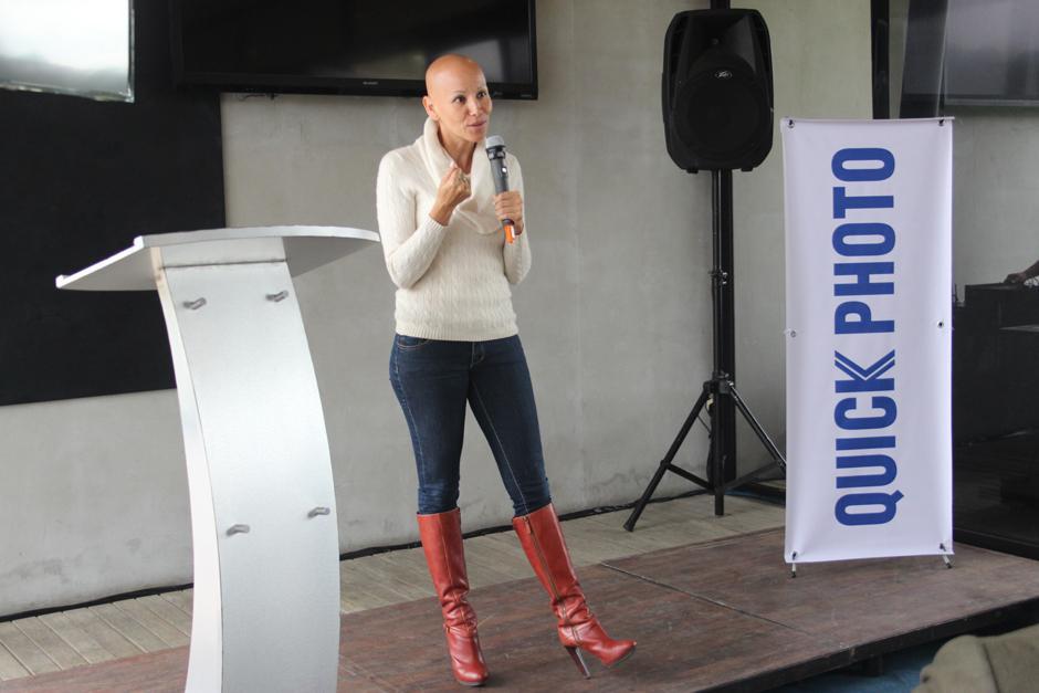 Karla Cofiño presenta la aplicacion Memorattic. (Foto: Alejandro Balan/Soy502)