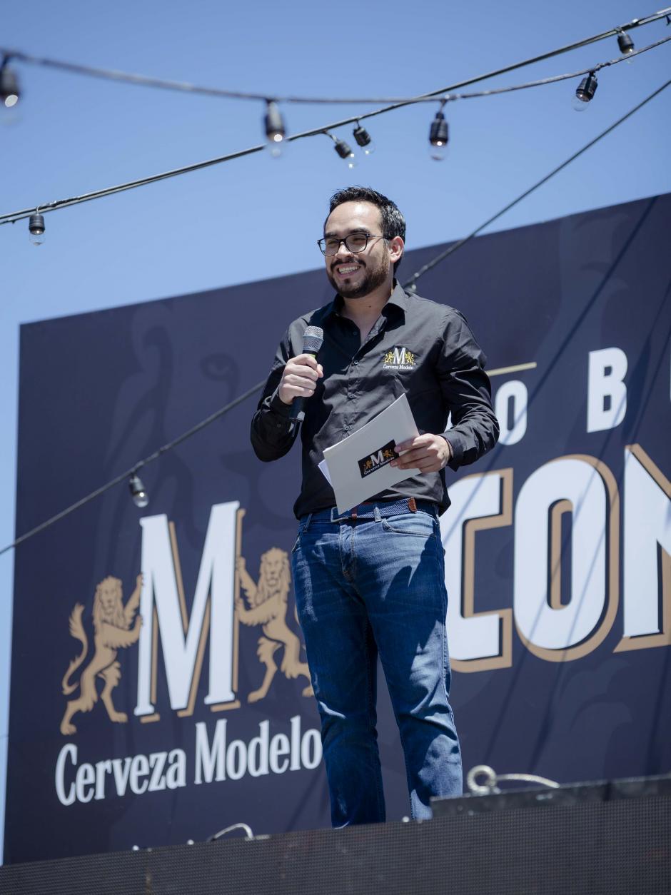 Hugo Ramírez, brand manager de Cerveza Modelo, anunció la nueva campaña. (Foto: George Rojas/Soy502)