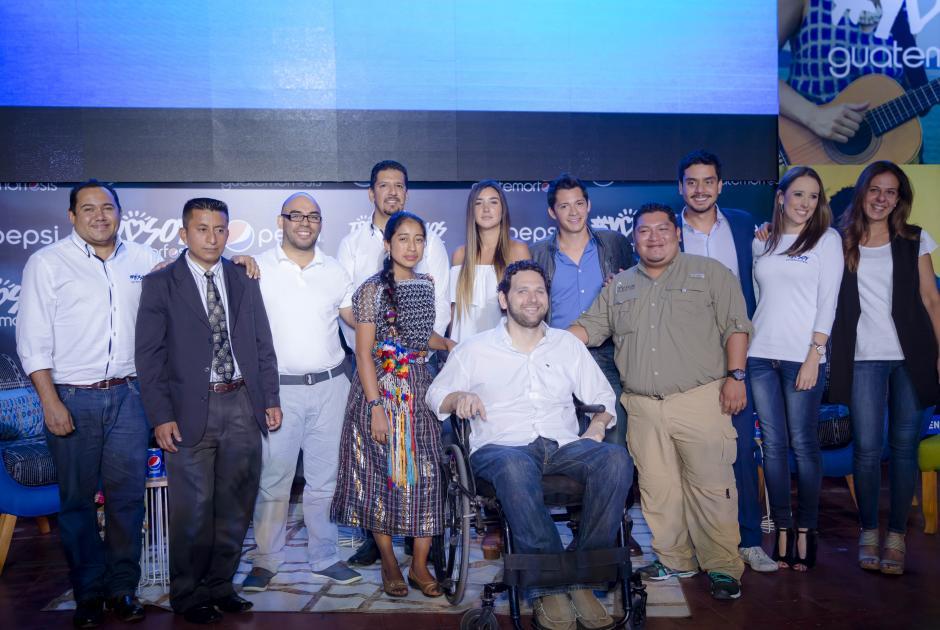 Algunos de los protagonistas, quienes afirman: #YosoyGuatemorfosis. (Foto: George Rojas/Soy502)