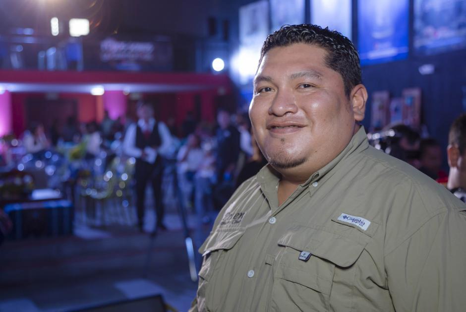 Marlo García, ornitólogo, especialista en avistamiento de fauna y aves de Flores Petén. (Foto: George Rojas/Soy502)