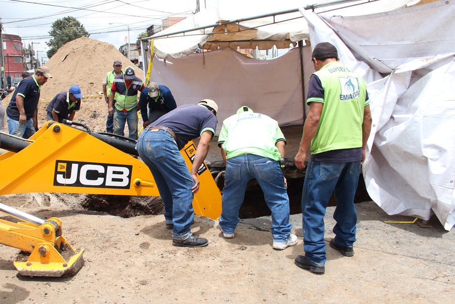 El paso de vehículos en el sector donde trabaja la Municipalidad estará habilitado el lunes. (Foto: Alejandro Balán/Soy502)