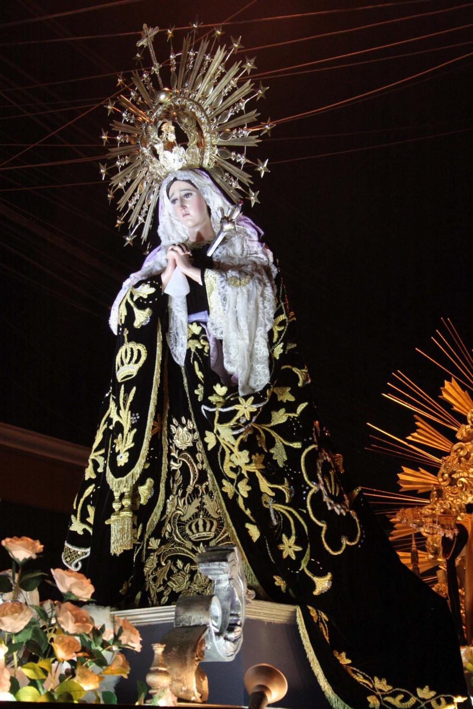La hermosa imagen de la Virgen de la Soledad recorre las calles en el final de la Semana Santa en Guatemala. (Foto: Raúl Illescas/Soy502)