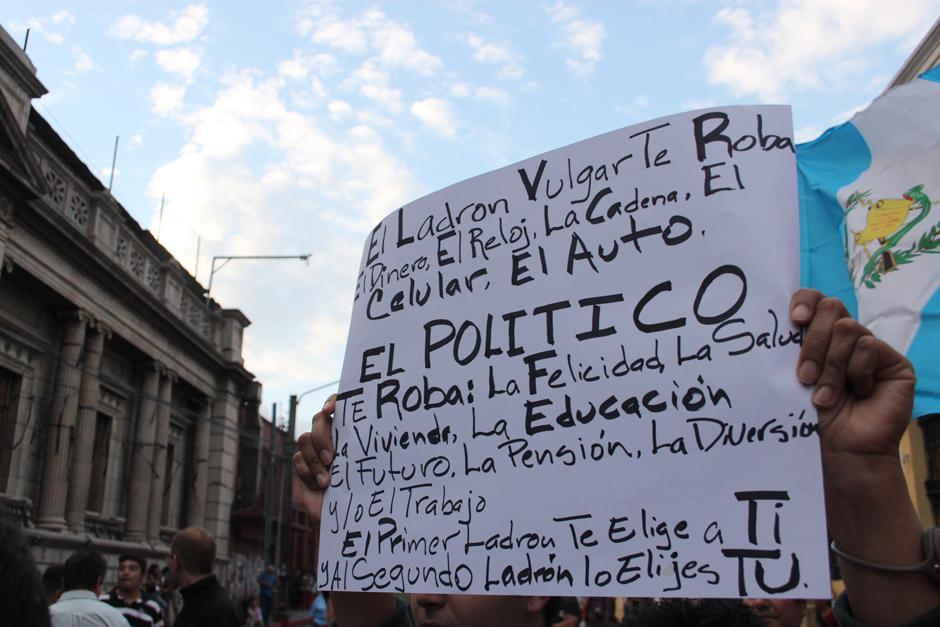 Las manifestaciones continuaron este sábado en la zona 1. (Foto: Alejandro Balán/Soy502)