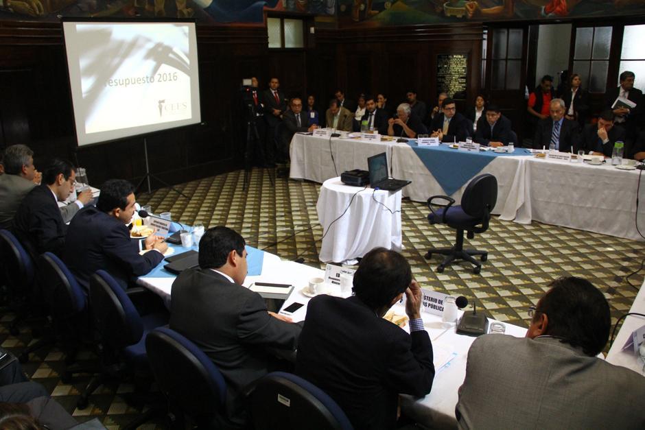 Desde hace varias semanas, la Comisión de Finanzas ha logrado que los centros de investigación realicen sus propuestas de reducción al Presupuesto, las cuales van desde 1 mil millones hasta 3 mil millones de quetzales. (Foto: Alexis Batres/Soy502)