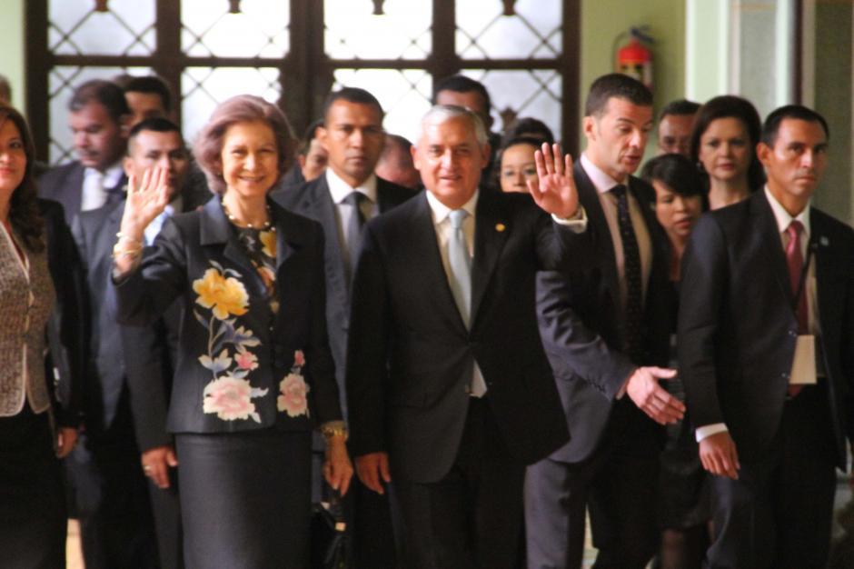 El presidente Otto Pérez Molina agradeció a la Reina Sofía por el apoyo brindado por España a Guatemala. (Foto: Antonio Ordoñez/Soy502)