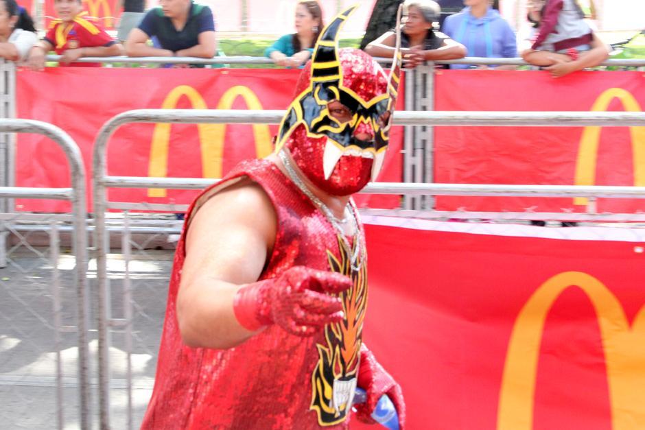 No faltaron los disfraces llenos de creatividad guatemalteca. (Foto: Antonio Ordoñez/Soy502)