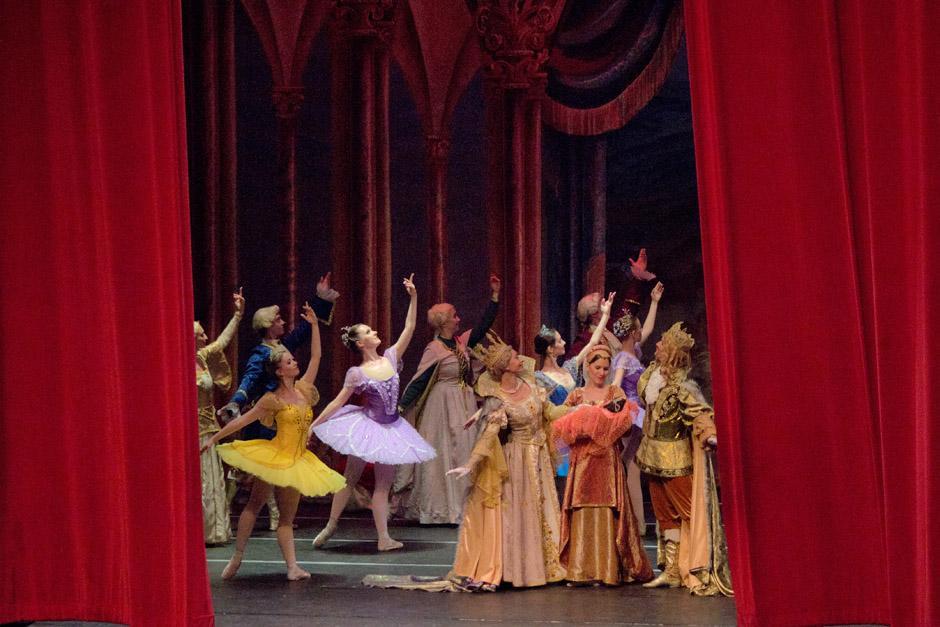 La compañía del Russial Classical Ballet fue fundada en 1990 y se llevó los aplausos de los guatemaltecos. (Foto: José Dávila/Soy502)