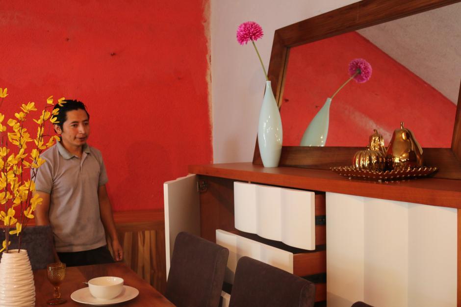 Fredy Pirir inició a fabricar muebles cuando tenía 14 años. (Foto: Agexport)