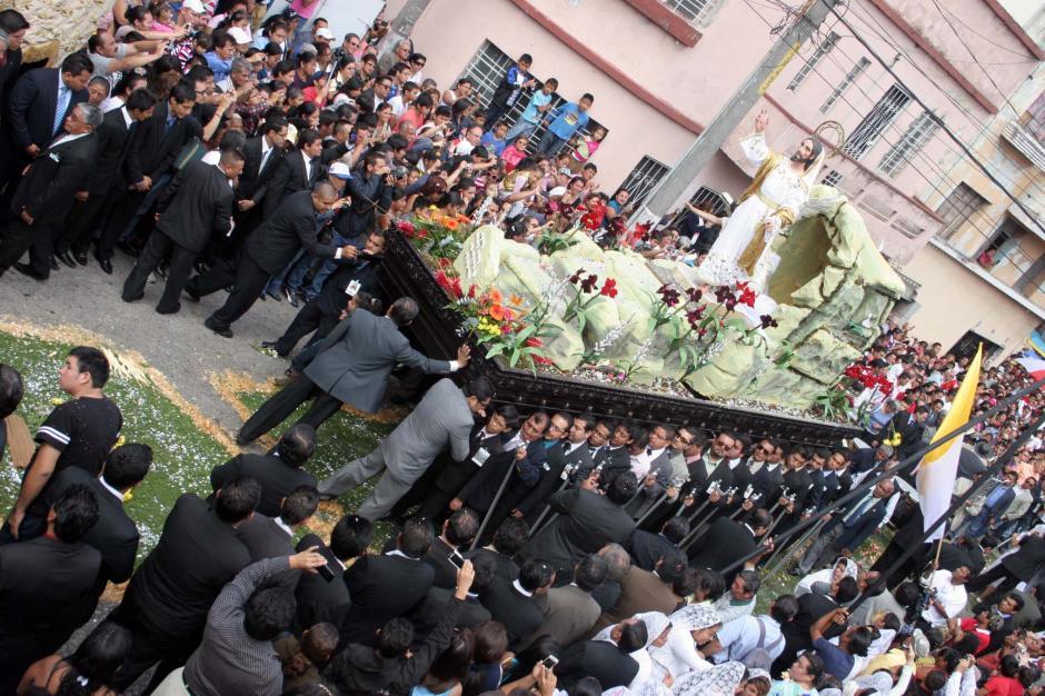 El Jesús Resucitado recorrió el Centro Histórico. (Foto: Raúl Illescas/Soy502)