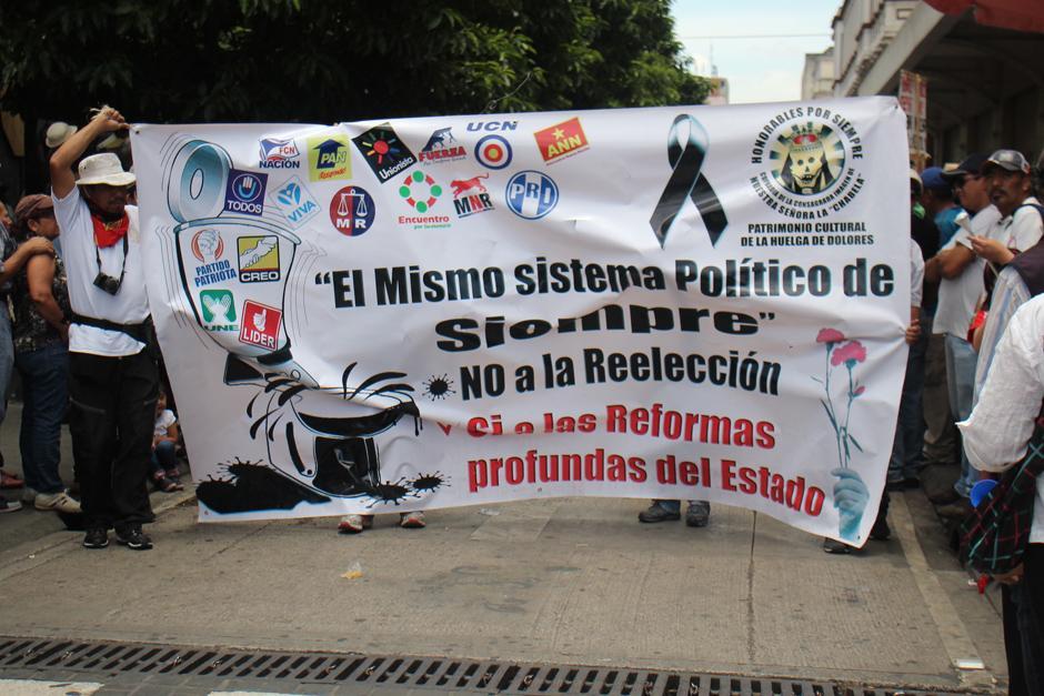 Los sancarlistas pidieron aprobar las reformas a la Ley Electoral y criticaron a todos los partidos políticos y candidatos. (Foto: Alejandro Balan/Soy502)