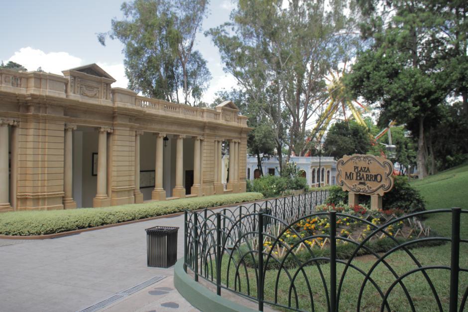 La plaza Mi Barrio fue uno de los últimos atractivos que se abrieron en el Irtra Petapa, con el que se emulan los antiguos atractivos del Centro Histórico de la capital. (Foto: Marcelo Jiménez/Soy502)