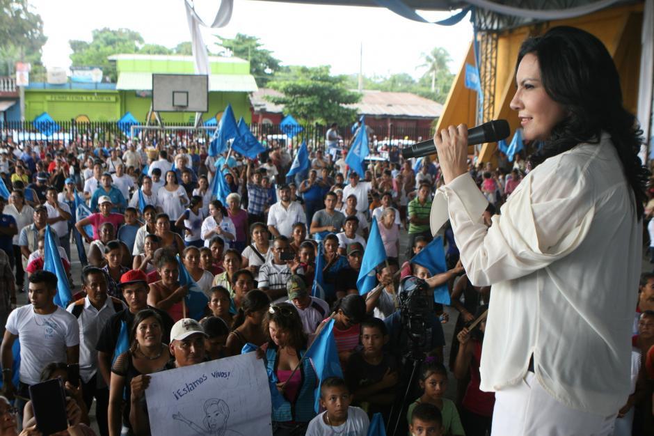 Zury Ríos conoció la notificación del TSE este domingo cuando se encontraba en una actividad en La Gomera, Escuintla. (Foto: VIVA)