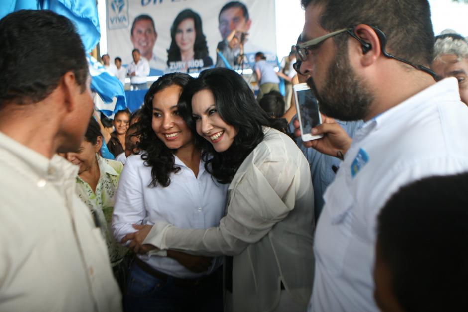 Durante el mitin, Zury recalcó sus dos posturas de esta campaña: la reforma educativa y el final de las extorsiones. (Foto: VIVA)