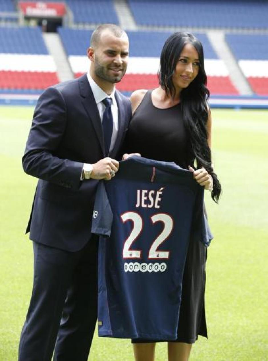 Aurah publicó una foto en Instagram donde apoya el nuevo rumbo de Jesé. (Foto: Instagram)