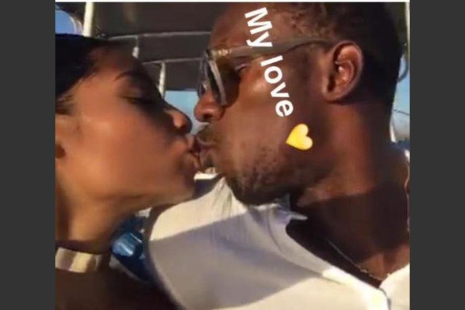¿Quién es la chica que besa a Usain Bolt en sus vacaciones?  (Foto: Instagram)