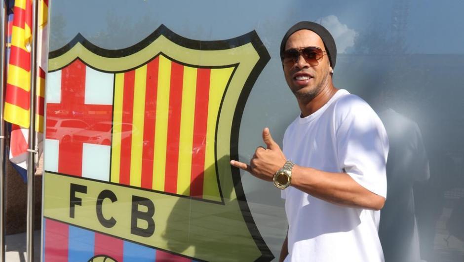 Ronaldinho volverá al FC Barcelona. (Foto: Twitter)
