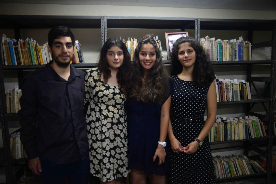 La generación más joven asistió al evento emocionada. (Foto: Jesús Alfonso/Soy502)