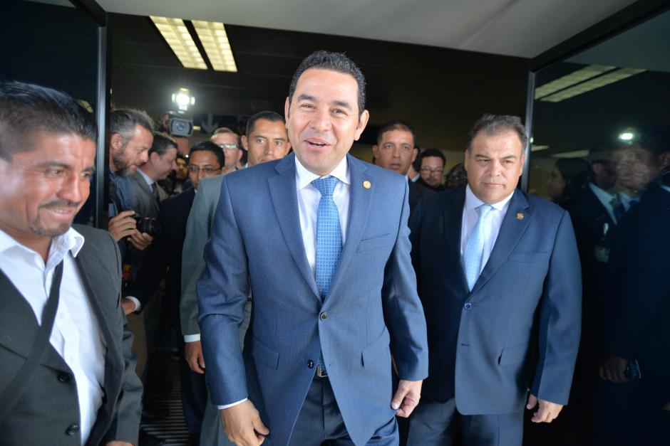El presidente Jimmy Morales aprovechó el evento para contar la fábula de las ranitas. (Foto: Wilder López/Soy502)