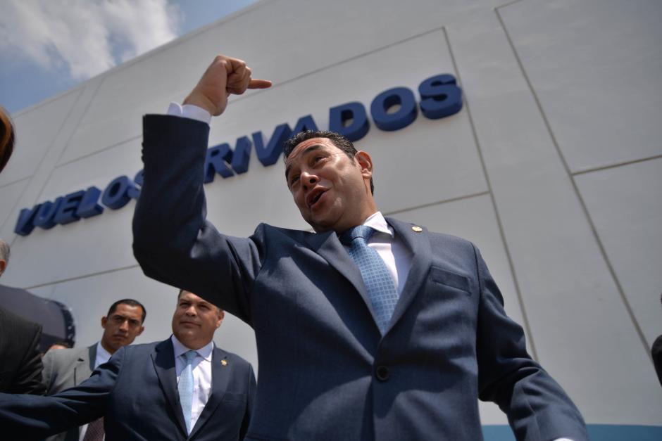 Según el presidente, la nueva terminal permitirá mayores controles a vuelos privados. (Foto: Wilder López/Soy502)