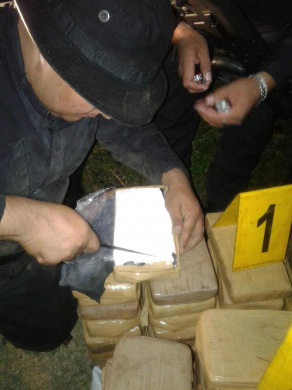 Las pruebas de campo realizadas dieron positivo para cocaína. (Foto: PNC)
