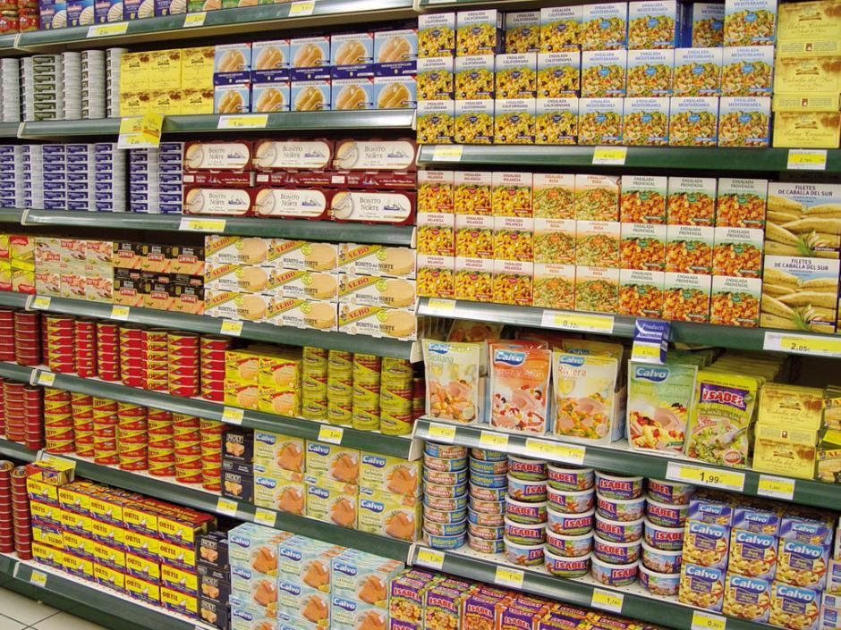 Los productos en conserva son una de las mayores tentaciones en las góndolas. (Foto: industriaspesqueras.com)
