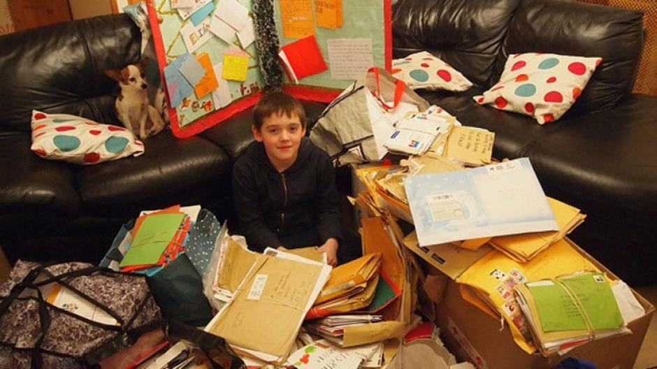 El menor recibió más de 9 mil cartas y regalos para navidad de 2015. (Foto: infobae.com)