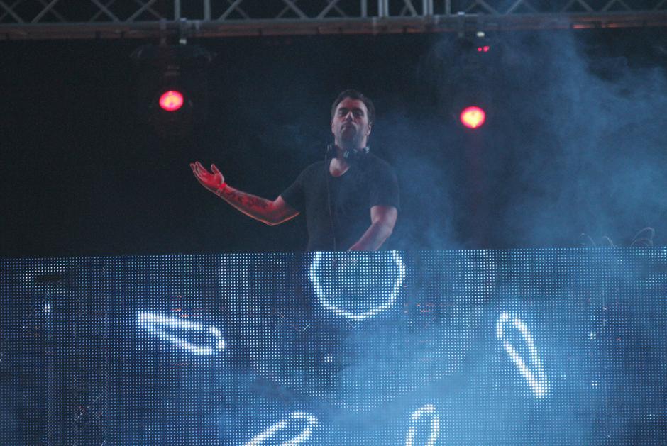 El Dj sueco Sebastian Ingrosso fue sin duda lo mejor de la noche en el Brahva. (Foto: Luis Barrios/Soy502)