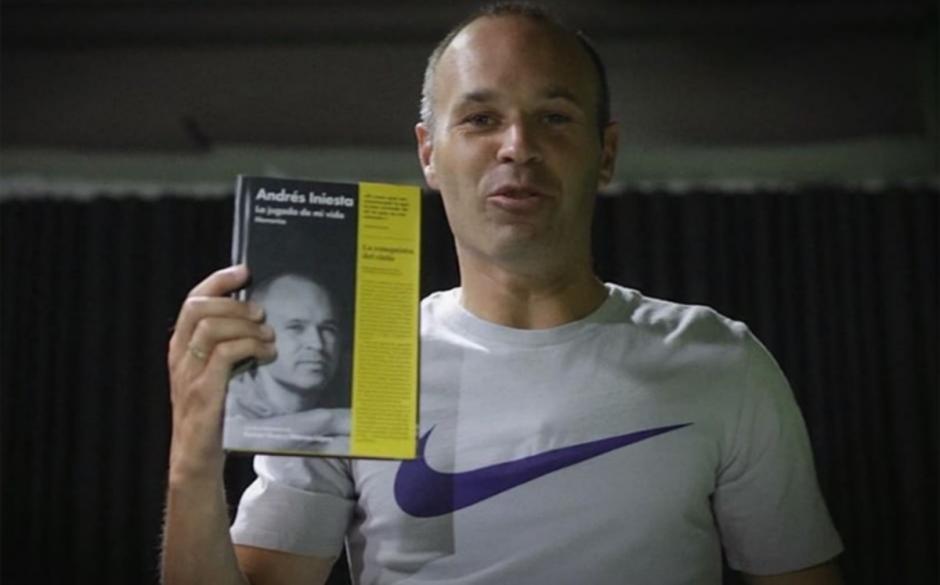 Iniesta revela sus secretos en su libro autobiográfico. (Foto: Sport)