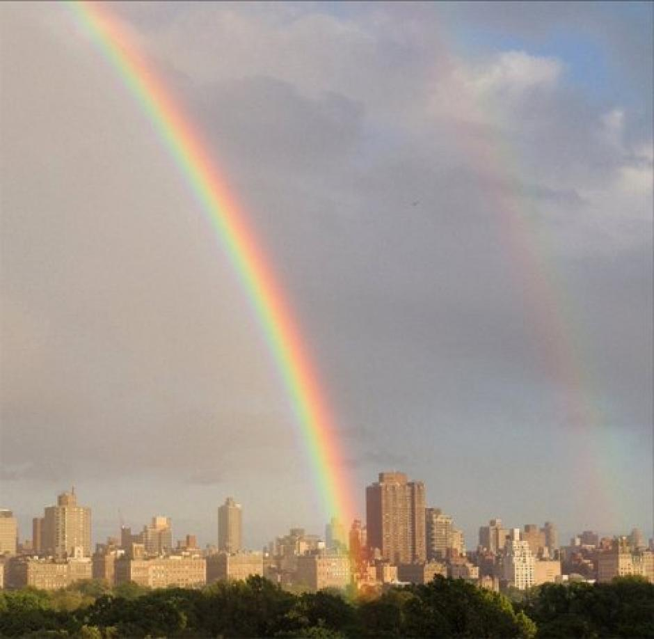 En medio de la lluvia se formó un arcoíris sobre el Central Park. (Foto: Instragram)