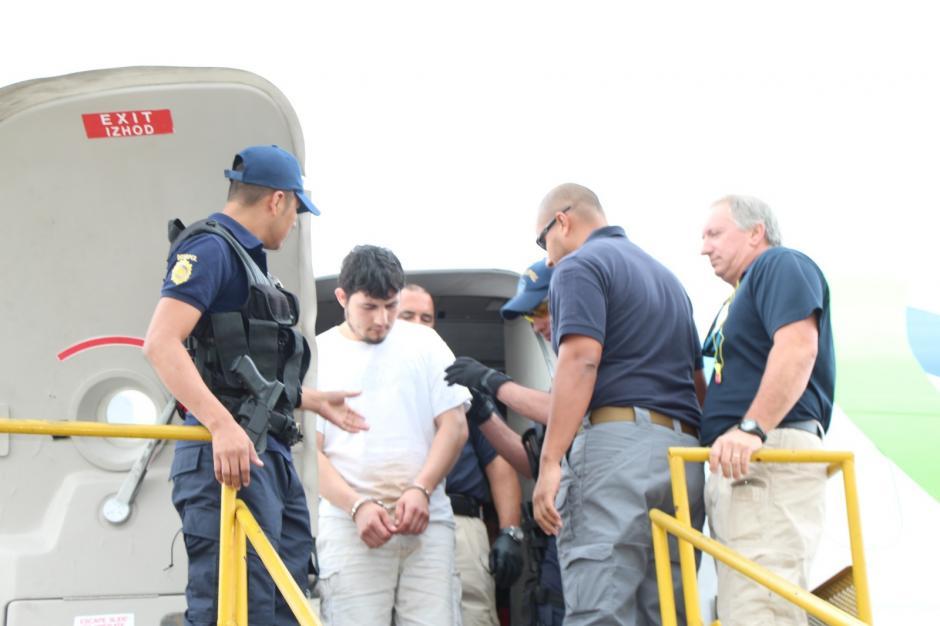La PNC informó la captura de un exagente de la institución. (Foto: PNC)