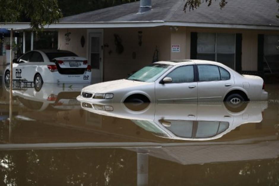 Siete personas murieron y 30 mil fueron evacuadas en Luisiana por las torrenciales lluvias. (Foto: AFP)