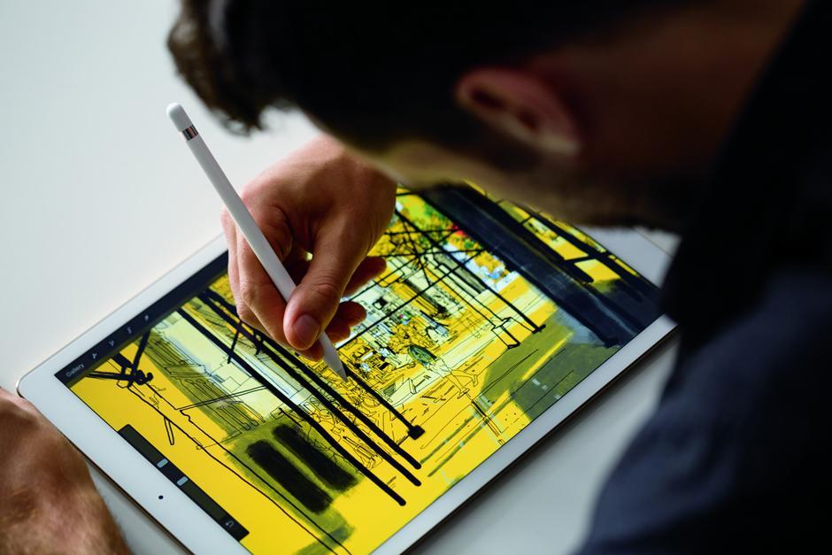 El nuevo modelo de iPad Pro tiene una pantalla de 12.9 pulgadas diagonal. (Foto: Google)