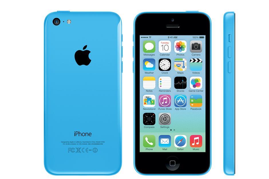 El iPhone 5C viene con la parte trasera de plástico. Eso hace que sea un poco más barato, pero sus componentes internos son idénticas al iPhone 5. Con ete modelo introduce una gama de colores para los usuarios. (Foto: The Vergue)
